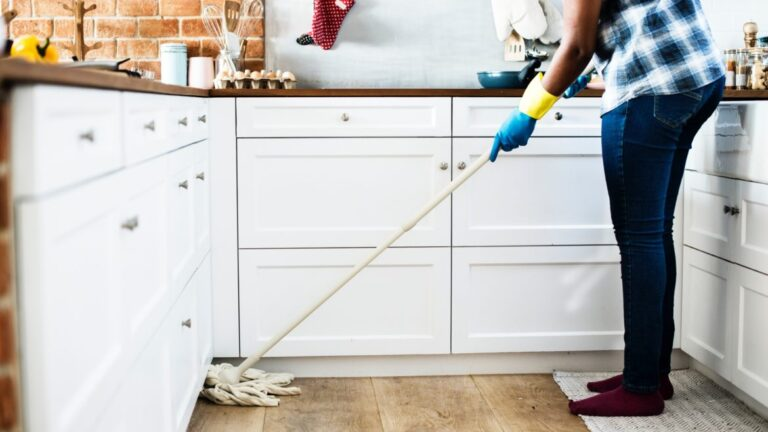 Read more about the article Tips and tricks for keeping your home tidy when you have a busy schedule